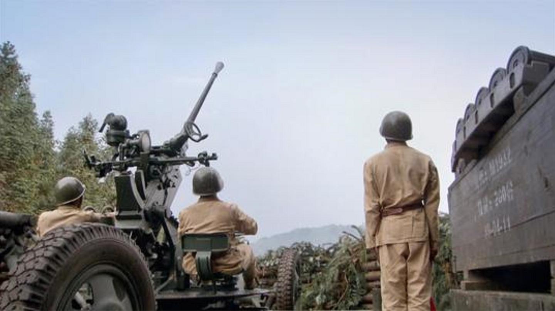 二十四道拐: 日军机群疯狂轰炸, 怎料高手拿出巴多斯大炮, 好看了