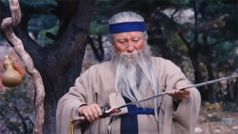 神笛少侠: 白发老头收一小徒弟, 传授其绝世武功, 这段位宗师水平