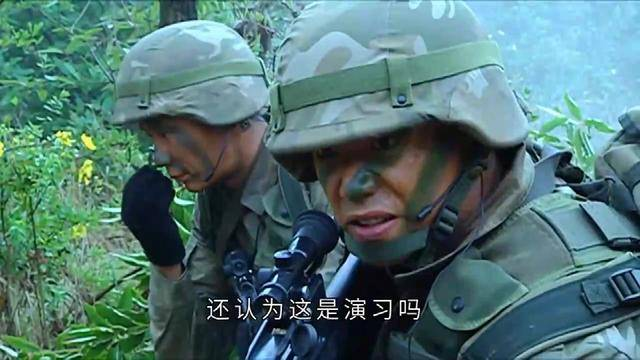 士兵突击: 毒贩越境, 吴哲还以为是演习, 看到毒贩尸体直接吐了!