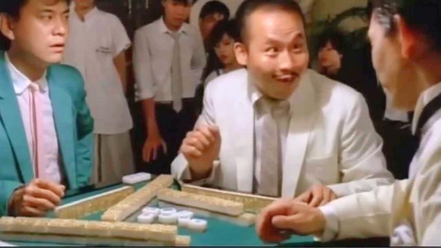 罗兰度: 这才是高手打麻将, 清一色万子摸张筒, 结果杠上杠开花