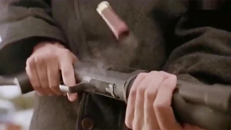 终极: 这才叫顶级动作片, 散弹枪一击毙命, 下手绝不心慈不死不休