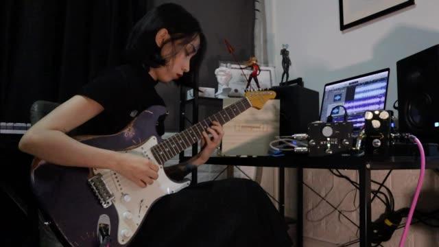 电吉他 Eternity forever - Movies(cover)by柴Sakura琴:10S Guitars过载:Vivie声卡:Xtone 线材:samgool+#电吉他