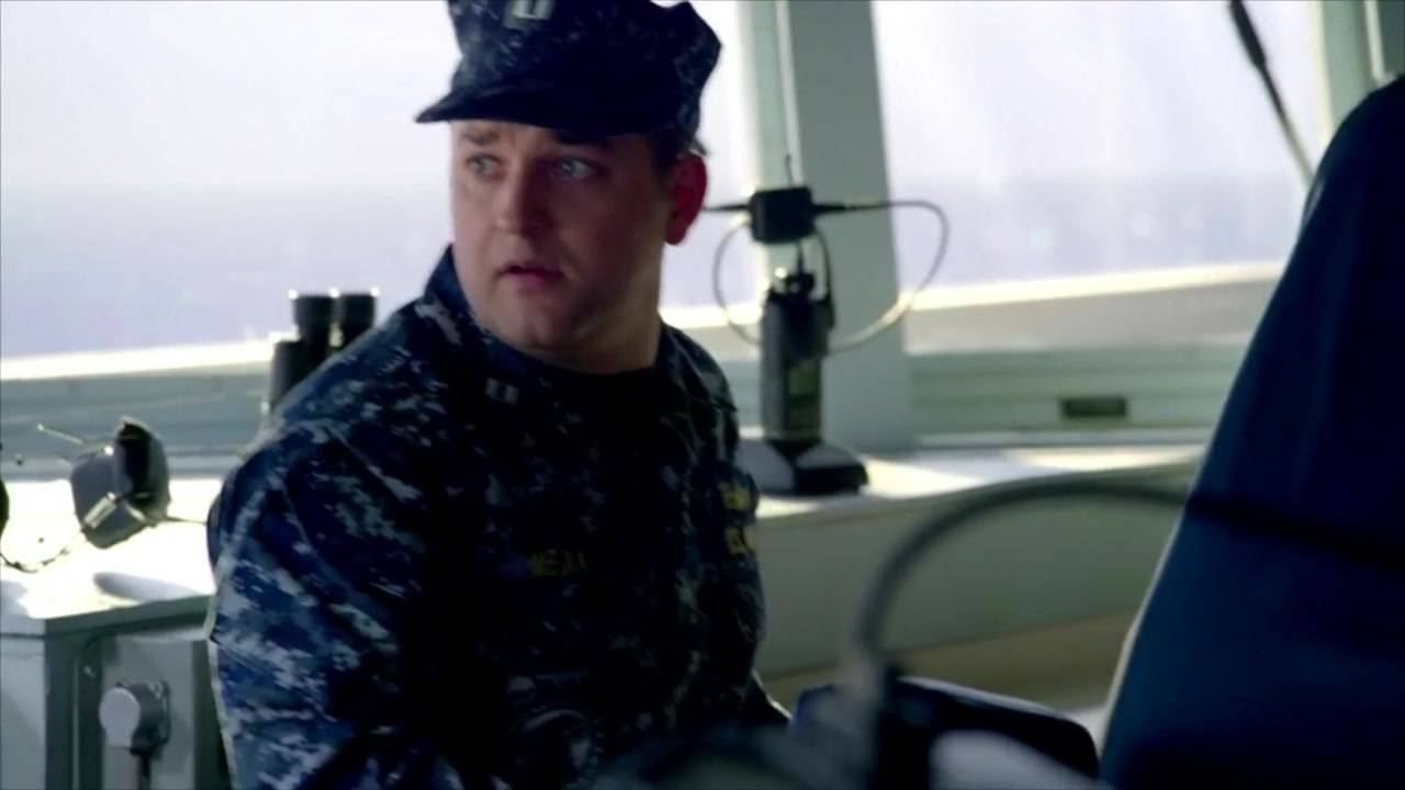 顶级海战大片, 美军驱逐舰误入雷区不能动, 可怕的鱼雷也疯狂来袭
