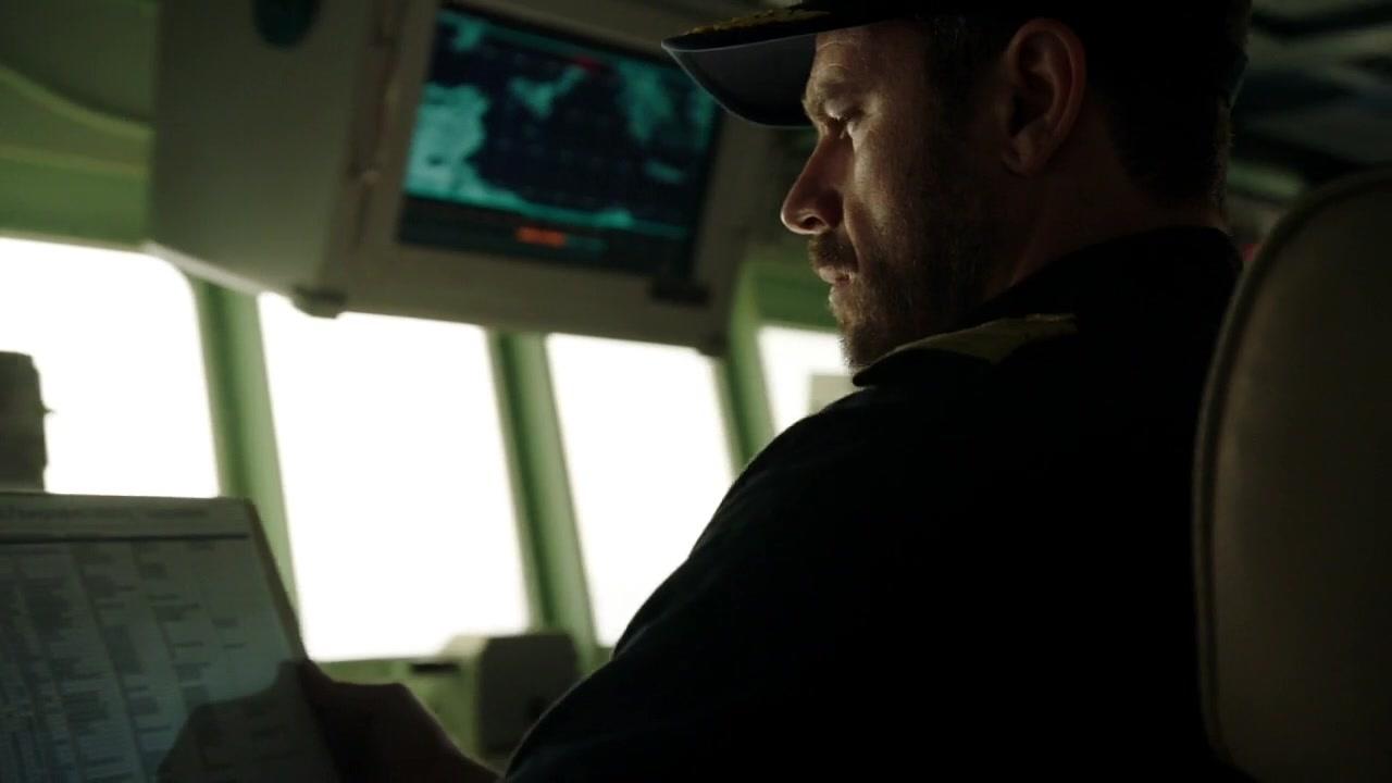顶尖海战片, 一艘美军驱逐舰对抗三艘希腊战舰, 导弹鱼雷疯狂互射