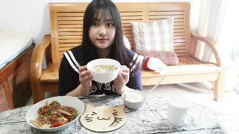【胖子多多酱】酸菜猪肉炖粉条~东北菜~