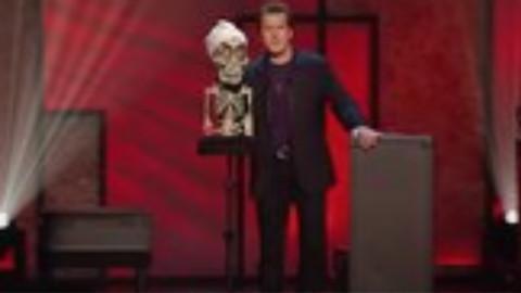 转【腹语大师】杰夫和他的呆萌骷髅表演----Achmed The Dead Terrorist