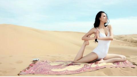 每次看到美女瑜伽教练这套动作,葛优都躺不住了!