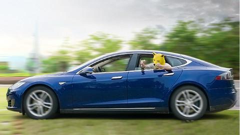 特斯拉的自动驾驶,真的有点傻