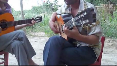 新疆偏远农村再现吉他高手,高手在民间啊!
