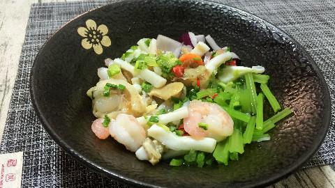 【鼻孔菌】泰式海鲜沙拉(●′ω`●)
