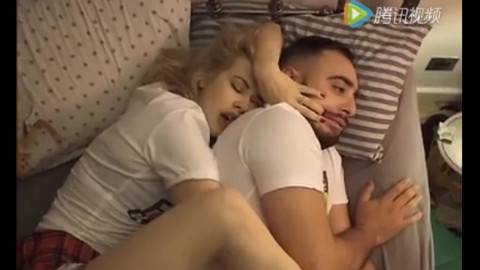 有了女朋友之后,你以为睡觉的时候是那样的,其实是这样的