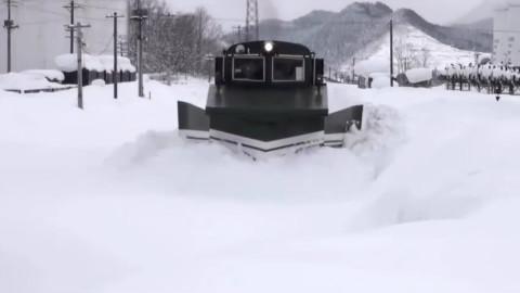 世界各地大雪中的火车,壮观!