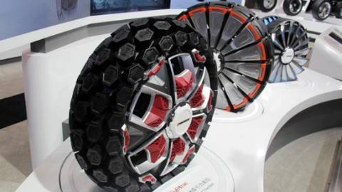 像变形金刚会变形的轮胎,北方雪地开车不怕飘移,还能省油