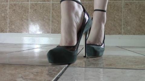 穿不同的高跟鞋给你看