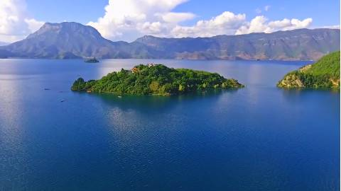 航拍泸沽湖,看那致美绝伦的香格里拉蓝月亮!