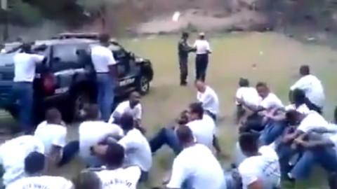 警校女学员首次学习投手榴弹,差点儿炸掉一个班!