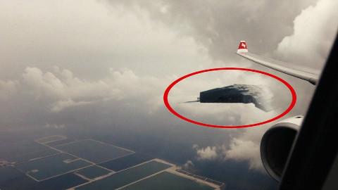 飞机飞行途中拍摄到的10个UFO视频