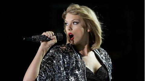 (中字)霉霉Taylor Swift超级碗预热演唱会第一部分 超带感