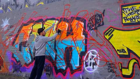 """""""梵高式""""涂鸦墙,被艺术渲染后谁不驻足观摩?"""