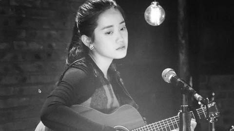 郑湫泓翻唱《暖暖》《胆小鬼》《晴天》《星晴》