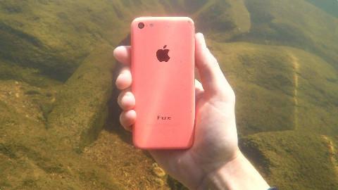 【soso字幕】河底寻宝 水肺潜水·找到了iPhone钓竿和多节拟饵 @Sofronio