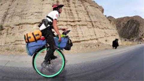 21岁外国小伙骑独轮车5000公里穿越中国【第一集】