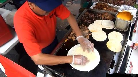 【纽约的街头美食】 墨西哥风味烧烤、玉米卷、油炸玉米饼、玉米片和玉米煎饼