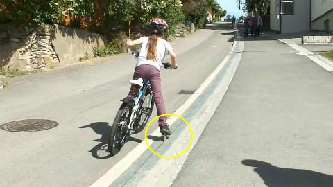 老外发明自行车电梯,政府支持2000万,能自动爬坡