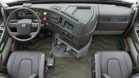 售价300多万的沃尔沃重卡,打开车门才知道有多舒适!