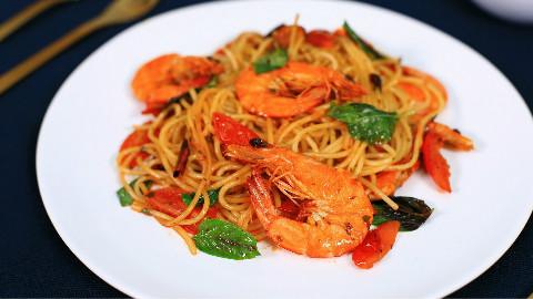 鲜虾辣味意面与南瓜浓汤:吃过那么多意面,只有这一碗令我大呼过瘾丨绵羊料理