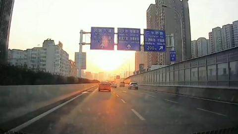 清晨上班路上最美的朝阳