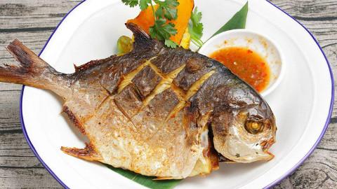 鲳鱼试试这种做法,好吃不腻,做出来家人都爱吃