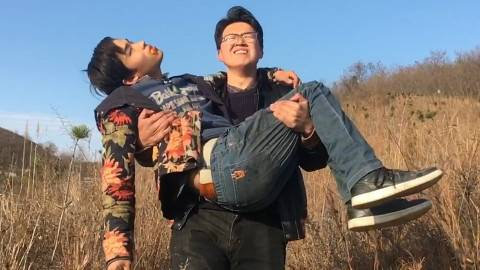 【野居青年】三个男人隐居深山每天到底都在干什么