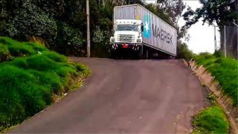 碉堡的卡车驾驶技术