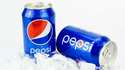 一分钟get可乐新喝法,可乐加冰喝腻了,那就换个方法喝吧!