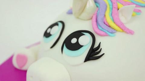 【甜点】TOP10在女孩过生日时可以制作的创意蛋糕