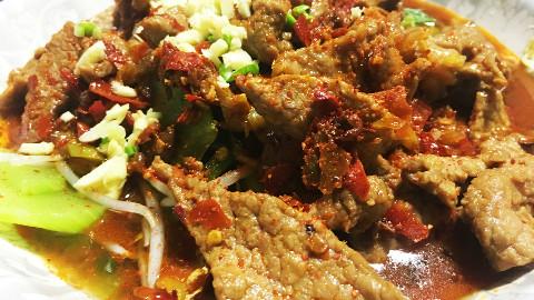 「水煮牛肉做法」具有火锅风的诱人美味,圈粉无数