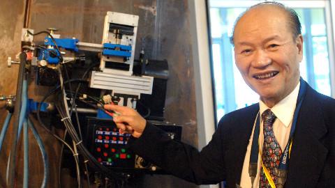 国宝级老人:30年给祖国创造千亿,91岁中国院士攻克航母焊接技术