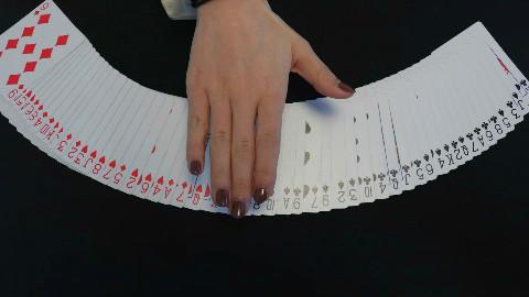 扑克牌魔术教学:红黑分离只需一秒,原理原来这么简单!