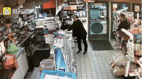 误认顾客是小偷,美国加州一警察便利店内掏枪