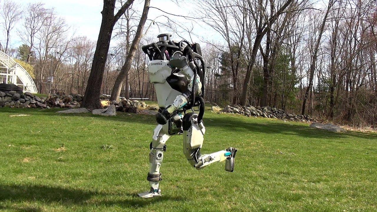 世界上最强大的人工智能机器人诞生了~人类你怕了吗?