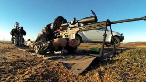 [4AW]用雷明顿700警用版射击1904码的目标