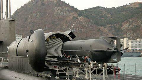 【点兵740】中国海军罕见公布蛙人运输艇,可输送特种部队隐蔽出击