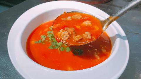 大厨教你番茄炖牛腩,0基础都能学会,很适合这个季节