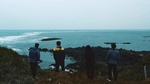 海南VLOG 第一期 跟小伙伴们一起环岛,爬山、篝火、沙滩、露营
