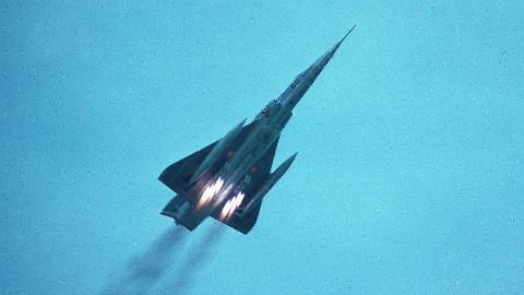 【讲堂336期】法国为了核弹,将幻影3战机放大1.5倍,研发出世界上最小的轰炸机