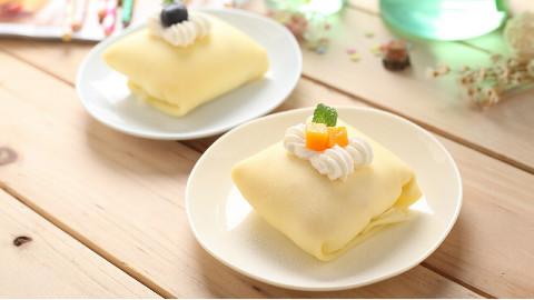 一口平底锅就能做出来的芒果班戟,搭配布丁奶茶,做最快乐的肥宅