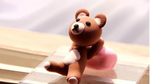 超萌黏土手工_制作晒太阳的布朗熊
