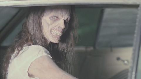 美剧《邪恶力量》第一季01:女友无故惨死,猎魔人踏上复仇之旅