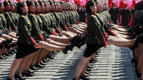 为什么要阅兵? 2分钟回顾朝鲜阅兵历史